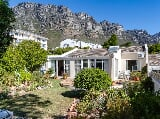 Photo 2 Bedroom House in Camps Bay
