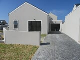 Photo 2 Bedroom Townhouse in Sandbaai