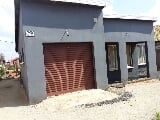 Photo 3 Bedroom House in Rustenburg