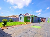 Photo 3 Bedroom House in Protea Glen