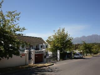 For Rent Spacious Flat 3 Bedroom Stellenbosch Trovit
