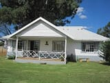 Photo Flat for Sale. R 950 000: 3.0 bedroom simplex...