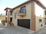 Photo 4 Bedroom Townhouse For Sale in Uvongo,...