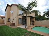 Photo Duplex for sale - Willow Park Manor Pretoria...