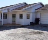Photo 3 bedroom House For Sale in Parlock for R 1 595...