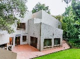 Photo 6 Bedroom House in Rivonia
