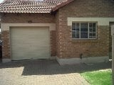 Photo 2 Bedroom Townhouse in Bronkhorstspruit