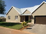 Photo 3 Beds 2 Baths 2 Garages Cullinan House For Sale