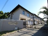 Photo 3 Bedroom Townhouse in Beacon Bay