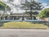 Photo 3 Bedroom House for sale in Bluewater Bay