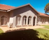 Photo 3 bedroom House For Sale in Lindene for R 1 550...