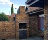 Photo 2 bedroom Townhouse For Sale in Sonneveld for R...