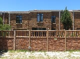 Photo 3 Bedroom Townhouse in Elfindale