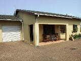 Photo 3 Bedroom House in Uvongo