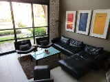 Photo 1 Bedroom Apartment in Melrose