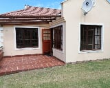Photo 1 Bedroom House in Kleinmond Central