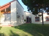 Photo 4 Bedroom House For Sale in Humansdorp, Eastern...