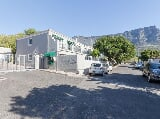 Photo 3 Bedroom Townhouse For Sale in Vredehoek