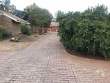 Photo Flat for Sale. R 990 000: 3.0 bedroom duplex...