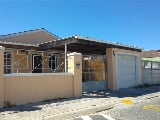 Photo 3 Bedroom House in Mitchells Plain