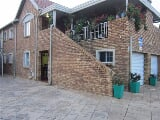 Photo 3 Bedroom Flat in Rietvalleirand