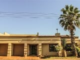 Photo 4 Bedroom House in Lenasia