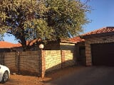 Photo 2 Bedroom House For Sale in Kathu, Northern Cape