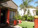 Photo Town House for Sale. R 1 680 -: 3.0 bedroom...