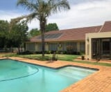 Photo 4 bedroom House For Sale in Constantia Kloof...