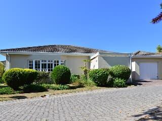 Retirement village for sale in Somerset West - Trovit