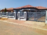 Photo 3 Bed House in Lethlabile