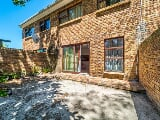 Photo 3 Bedroom Townhouse for sale in Wynberg