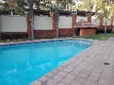 Photo 2 Bedroom Apartment For Sale in Sunninghill