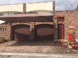 Photo 2 Bedroom Townhouse for sale in Sonheuwel