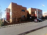 Photo 8 Bedroom Apartment For Sale in Rosettenville