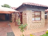 Photo 4 Bedroom House in Seshego