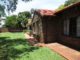 Photo 3 Bedroom House For Sale in Rooihuiskraal North