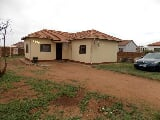 Photo 2 Bedroom House in Mabopane