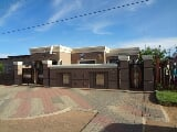 Photo 2 Bedroom House in Thabong