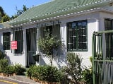 Photo 1 Bedroom House in Rondebosch
