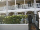 Photo 3 Bedroom Townhouse in Point