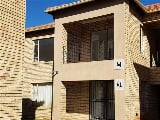 Photo 2 Bedroom Townhouse in Vanderbijlpark SW