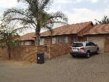 Photo 2 Bedroom Townhouse in Amberfield Crest