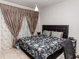 Photo 3 Bedroom Apartment in Greenstone Hill