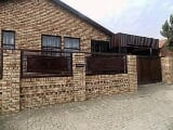Photo House for Sale. R 990 000: 3.0 bedroom house...