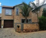 Photo 3 bedroom Townhouse For Sale in Wilgeheuwel for...