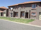 Photo 3 Bedroom Duplex in Waterval East