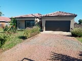 Photo 3 Bedroom House in Riversdale