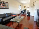 Photo 2 Bedroom Flat in Rosebank