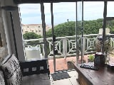 Photo 2 Bedroom Apartment For Sale in Hermanus Beach...